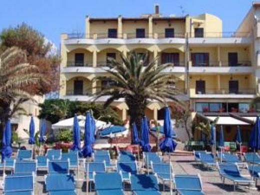 Sicilija jug leto 2016 letovanje 2016 gr ka stavros hanioti halkidiki hoteli i - Hotel la riva giardini naxos ...